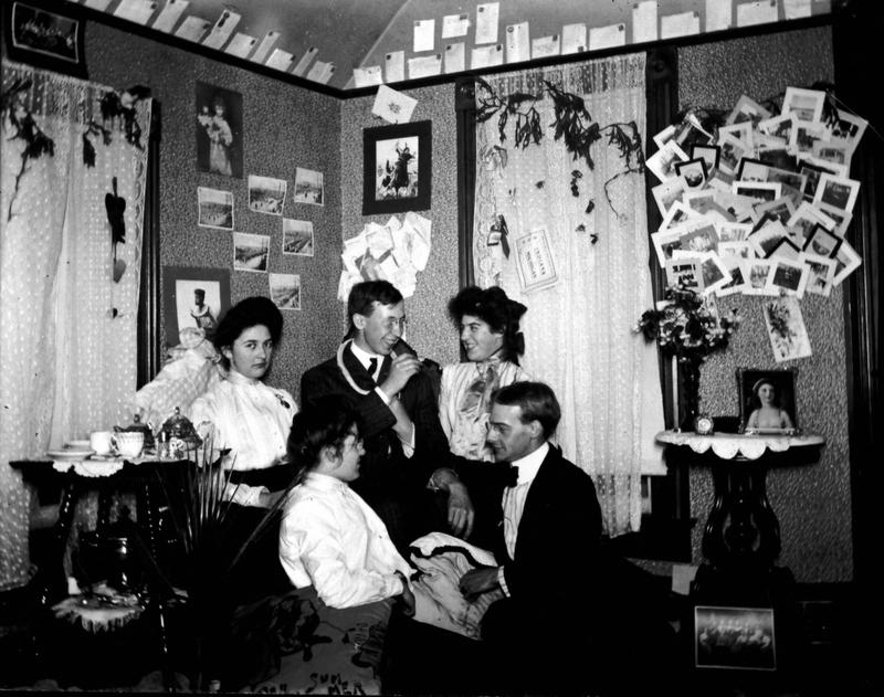 Students at a boarding house in 1902.