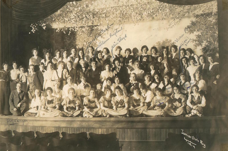 1915 Junior Girls Play