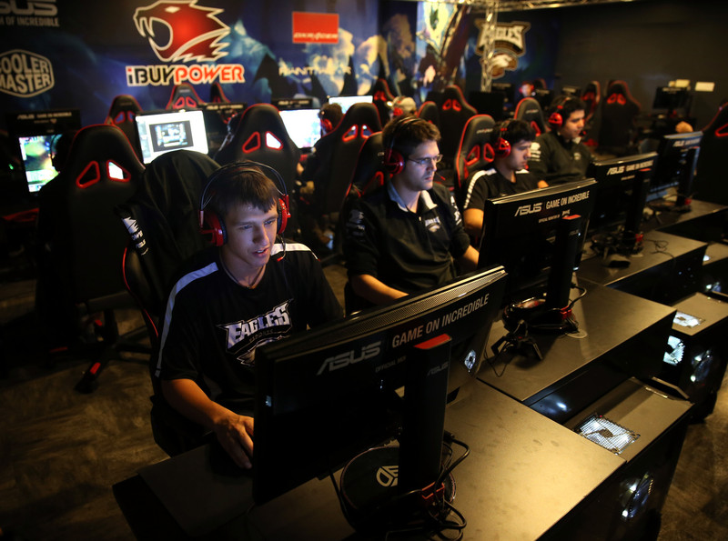 Members of Robert Morris University's varsity video gaming team practice in Chicago on in October 2014