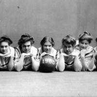 UM Women's basketball Class of 1908 team